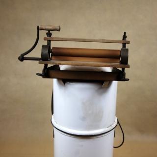 Pralka elektryczna SHL z wyżymaczką