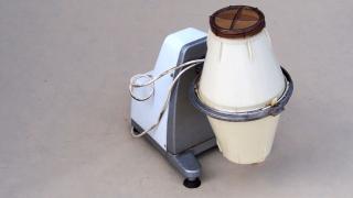 Maszynka elektryczna do masła