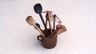 Łyżki, łyżki cedzakowe, chochle, kubki, łyżki drewniane